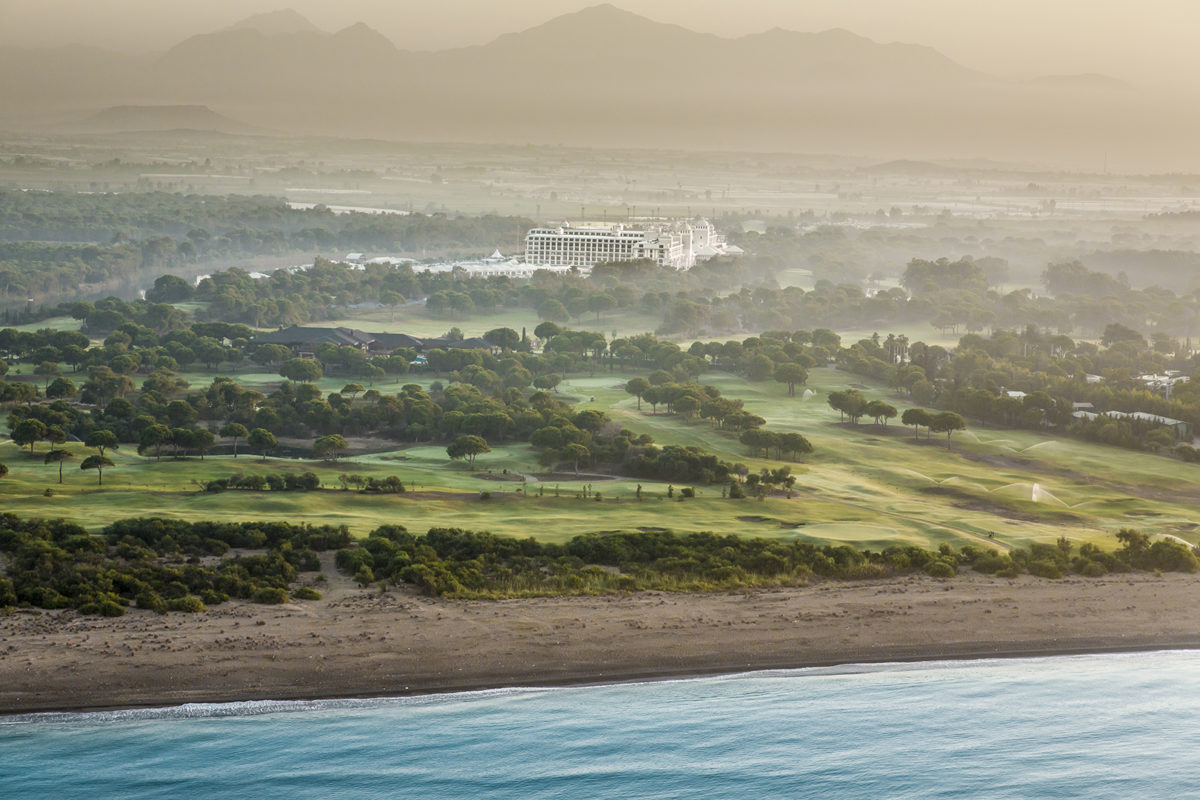 Titanic Deluxe Golf Resort (3)